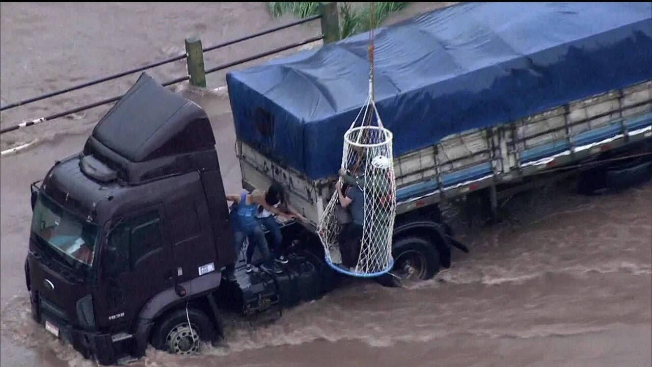 Resultado de imagem para Rudge Ramos na enchente