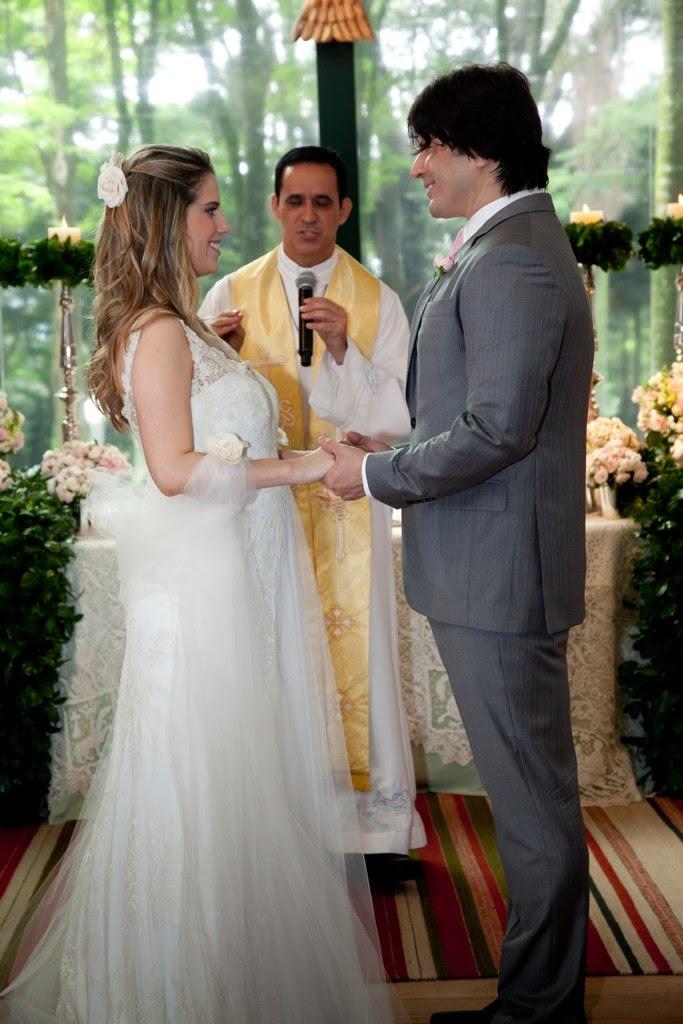 Paulo Ricardo e Gabriela Verdeja durante a bênção