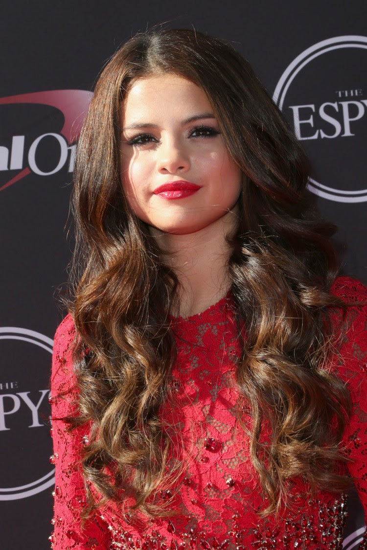 Selena-Gomez- at-2013-ESPY-Awards-in-Los-Angeles-Pictures-Image-8
