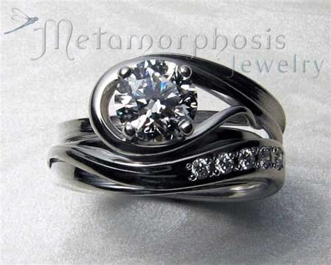 Interlocking engagement ring, wedding band set