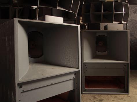 audiophiles love vintage horn speakers