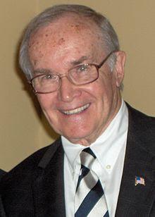 Newton Norman Minow - бывший руководитель Федерального Агенства Связи США