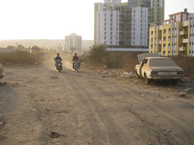 No Road to Lohia Jain Group's Riddhi Siddhi, 2 BHK & 3 BHK Flats at Bavdhan Khurd, Pune 411 021