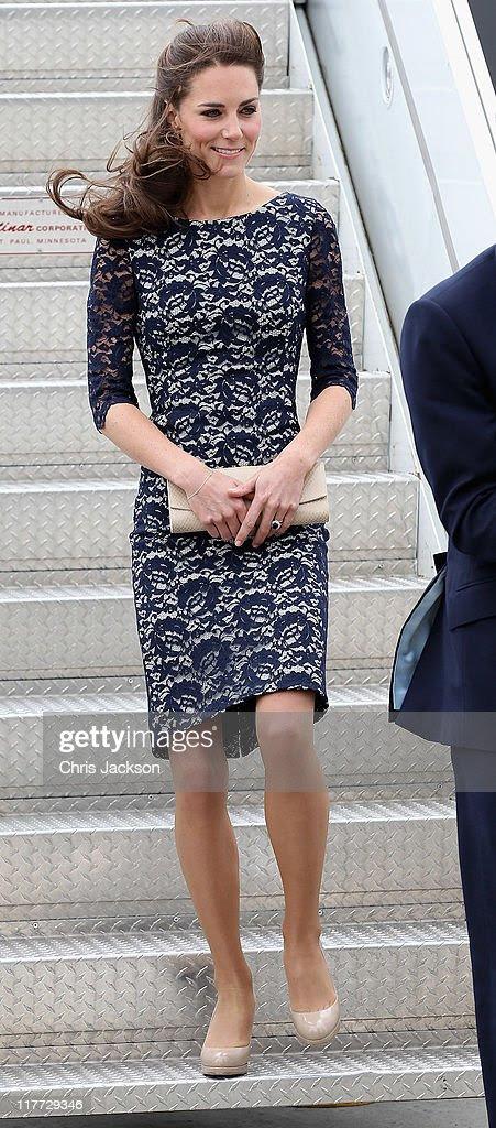 aa414a7c86 Koronkowa sukienka od Erdem została założona przez Kate dwukrotnie. Po raz  pierwszy na przylot do Kanady w 2011 roku