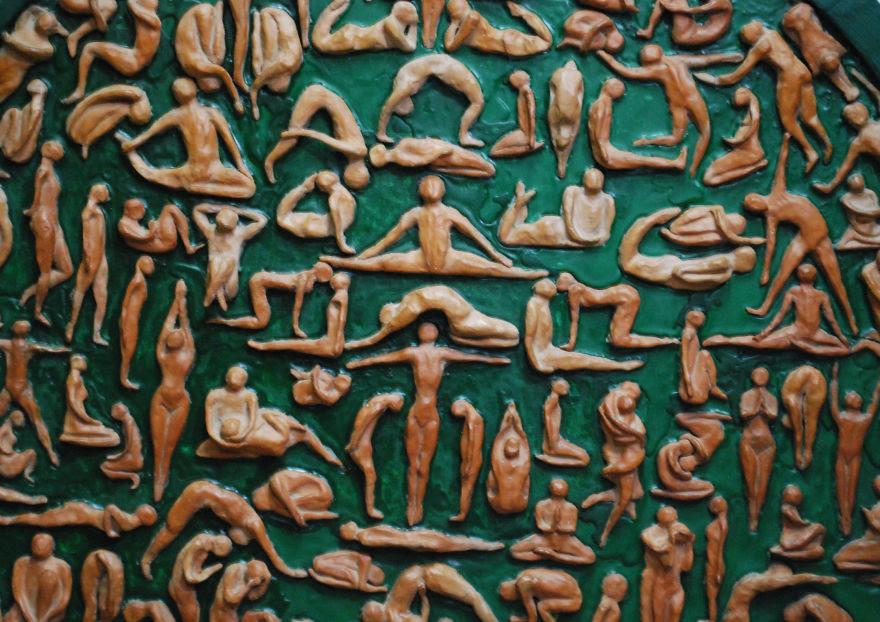 Milica Krstic | cercles en bois argile minuscules visages