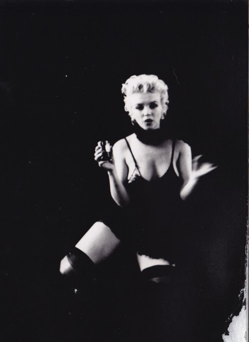 Marilyn Monroe, suspenders, milton greene