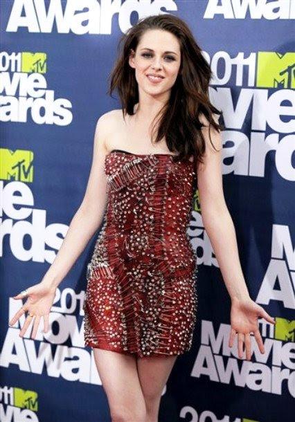 kristen stewart mtv movie awards 2011 pics. 2011 MTV Movie Awards: Kristen
