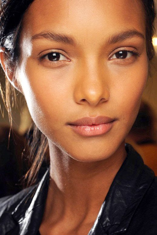 LE FASHION BLOG MODEL CRUSH LAIS RIBEIRO BRAZIL BRAZILIAN MODEL BALMAIN SS 2013 BACKSTAGE BEAUTY NATURAL MAKE UP LEATHER JACKET 5 photo LEFASHIONBLOGMODELCRUSHLAISRIBEIROBALMAIN5.jpg
