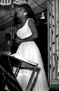 Alaide Costa no Dancing Avenida (1957) - Acervo pessoal Alaíde Costa