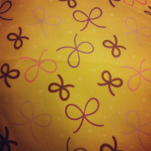 Bows on butter yellow from my @spoonflower fabric shop!