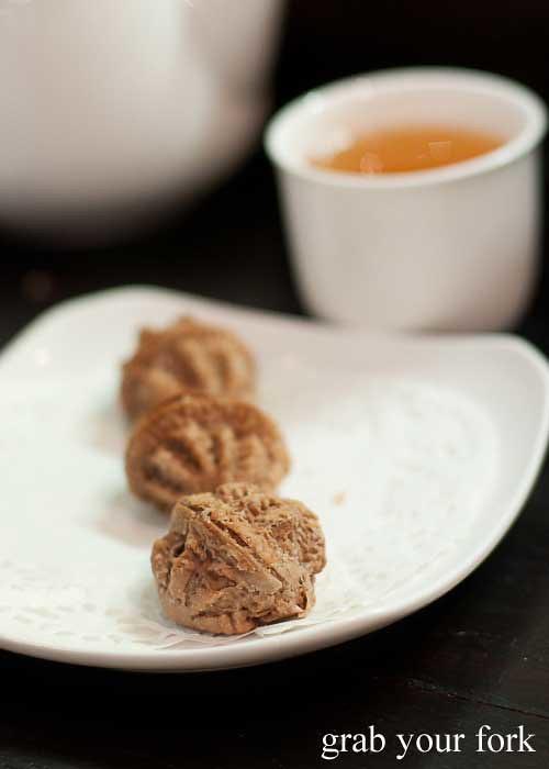 walnut dessert