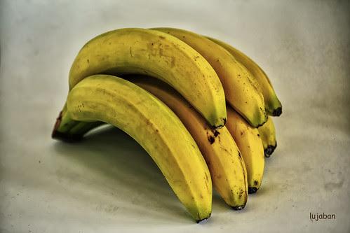Bananas... by lujaban
