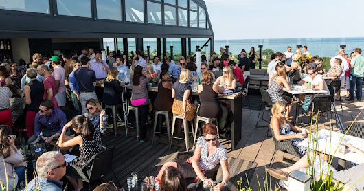 Best Rooftop Bars in Chicago for Drinking Outside This Summer - Thrillist