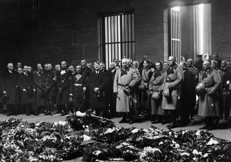 File:Bundesarchiv Bild 183-H25366, Berlin, Heldengedenktag, Ehrenmal.jpg