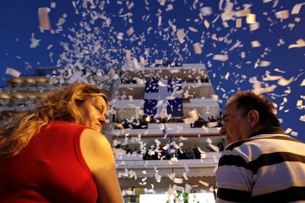 perierga.gr - Εικόνες μιας Ελλάδας σε κρίση στο φακό του Reuters...