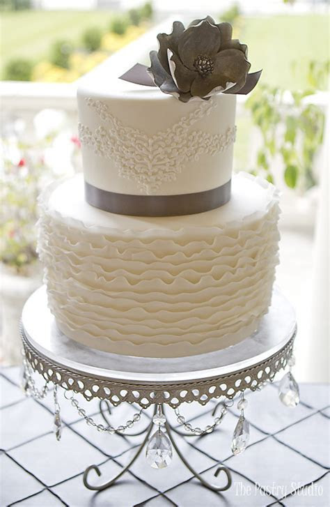 Luxury Custom Wedding Cakes in Daytona Beach FL   The