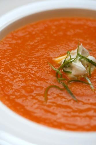 Zuppa di carote e agrumi