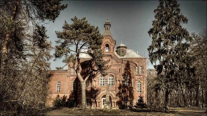 Усадьба Покровское-Стрешнево/3673959_4 (700x393, 74Kb)