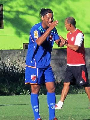 Ronaldinho no treino do Flamengo (Foto: Janir Junior / Globoesporte.com)