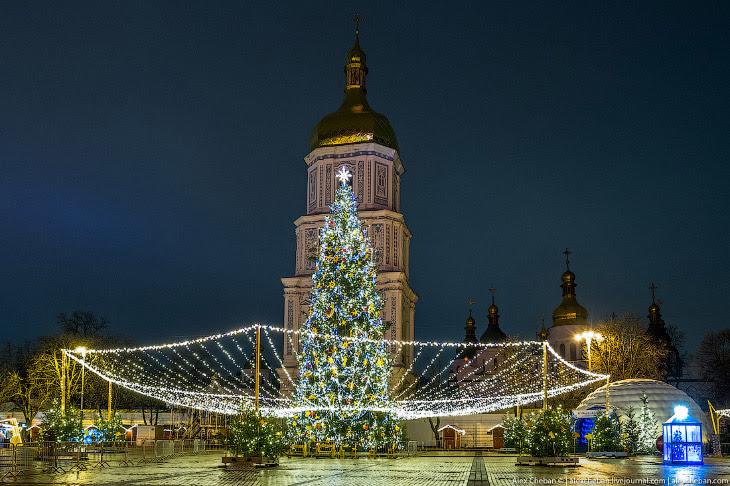 Главная елка Украины — на Софийской площади