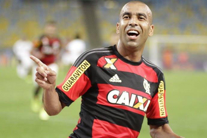 Emerson Sheik comemora o segundo gol do Flamengo no Maracanã (Foto: Gilvan de Souza/Fla Imagem)