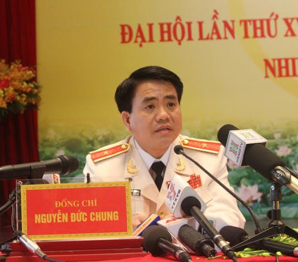 Hình ảnh Thiếu tướng Nguyễn Đức Chung được giới thiệu làm Chủ tịch Hà Nội số 1