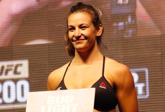 Miesha Tate Pesagem UFC 200 (Foto: Evelyn Rodrigues)