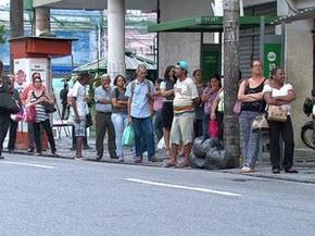 Mesmo quem tentou voltar cedo para casa enfrentou dificuldades (Foto: Reprodução / TV Globo)