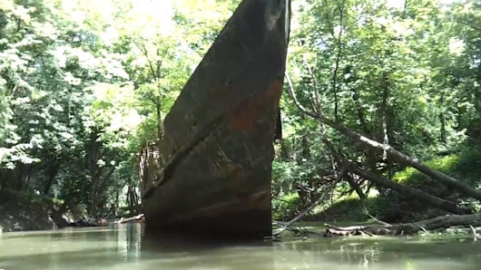 Kayakers Discover 'Ghost Ship' Along the Ohio River - weather.com Kayakers Found THIS Abandoned