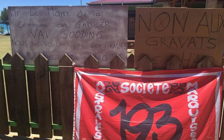 Group on Mangareva opposed to shipment of building material from Hao