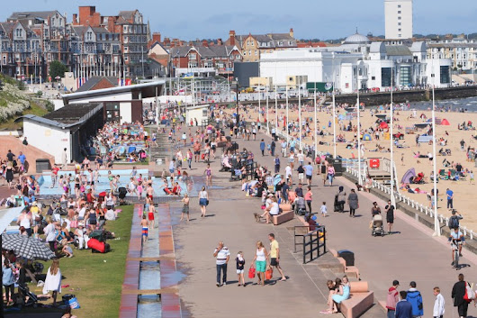 Pictures: Brilliant Bridlington basks in mid August sunshine | Wolds Weekly Newspaper