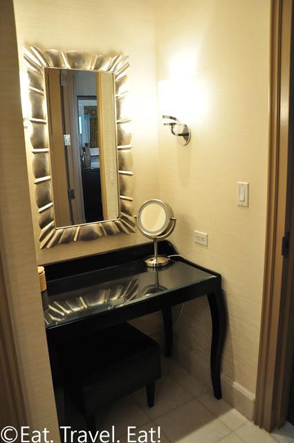 Make Up Area Ladie's Bathroom Penthouse Suite