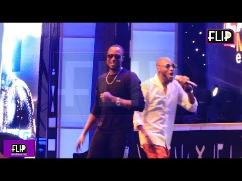 2face And Faze Performing Together At A Show