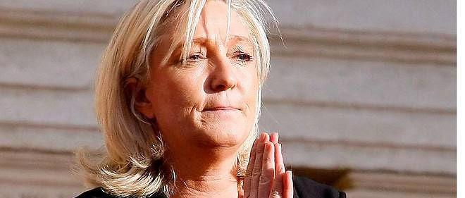 """Devant 250 fidèles,Marine Le Pen a estimé que """"l'UMPS se couchait devant les exigences communautaristes."""""""