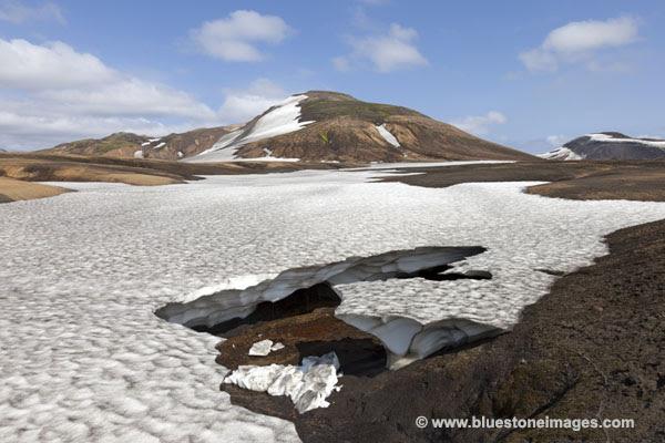 01M-1107 Temp Snow Gullies and Bridges to Cross Iceland
