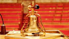 Hémicycle : la cloche du bureau du président