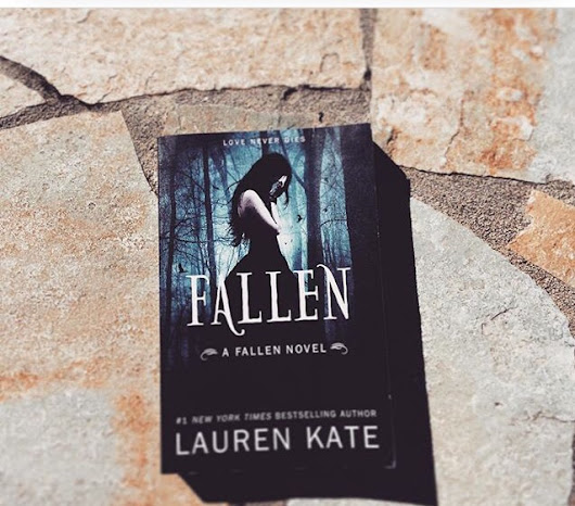 Review for Fallen by Lauren Kate