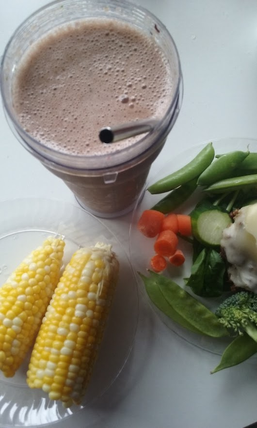 Cheeseburger with Vegetables, and a Chocolatey-Good Smoothie