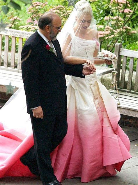 Top 10 Most Iconic Wedding Dresses of History   Fashionisers