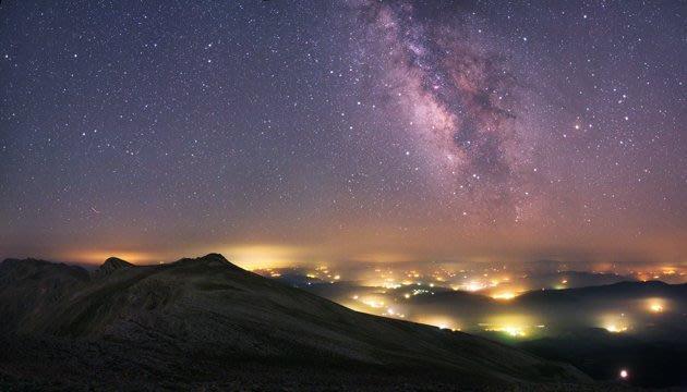 Astronomy Photographer of…