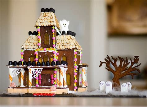 Top 17 Over Size Halloween Gingerbread House Designs