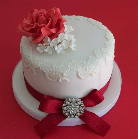 Ruby Wedding Cake Designs   Wedding and Bridal Inspiration