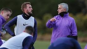 Rafael van der Vaart berharap Harry Kane tetap di Tottenham oleh - precioustimeny.com