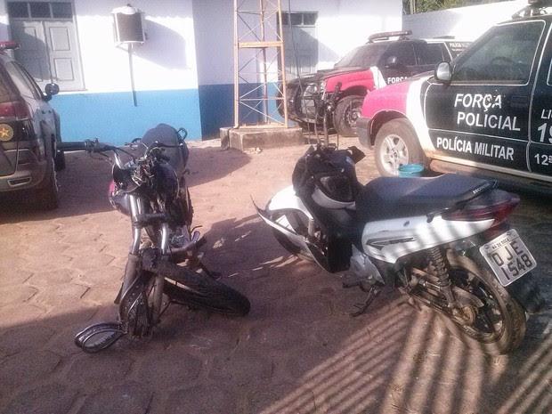 Acidente entre motos e caminhão na BR-316 deixa quatro pessoas mortas (Foto: Divulgação/PRF)