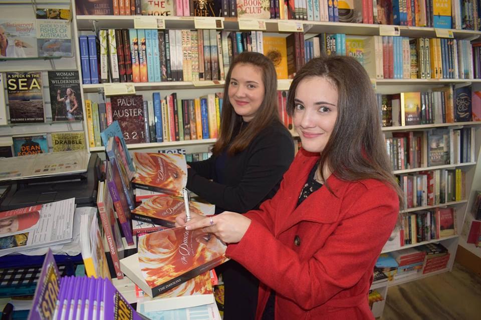 Lydia & Santina Casablanca