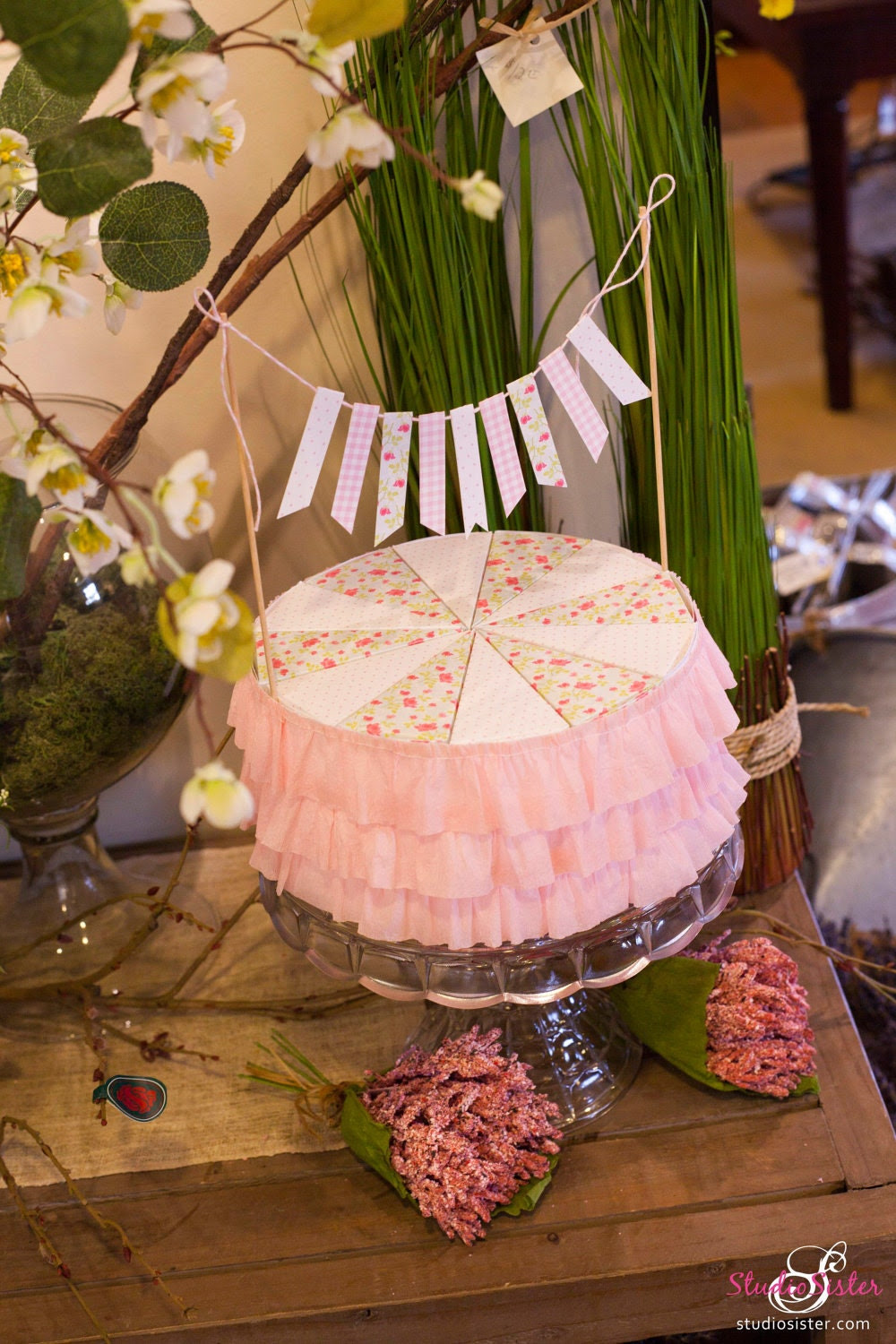 Pink Shabby Chic Ruffled Cake Favor Set