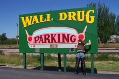 walldrugparking1