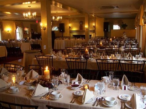 Longfellow's Wayside Inn   Sudbury, MA Wedding Venue