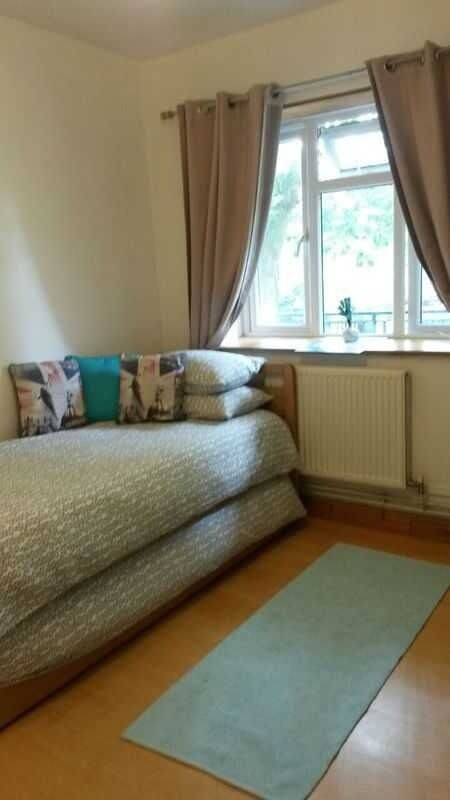ZONE 2 GOOD TRAVEL LINKS CLEAN DOUBLE/TWIN & SINGLE ROOMS-WIFI (ALL BILLS INC) | in Putney, London | Gumtree