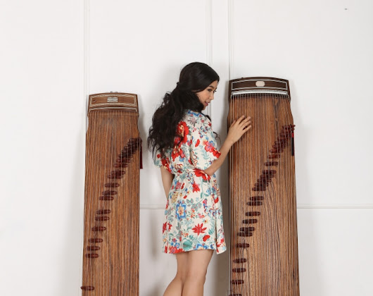 Support Luna Lee creating Today's music with a Korean traditional instrument!
